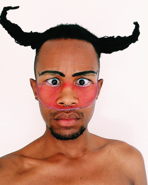 Vusi Jabulani Makatsi – Performance and self expression as queer activism/visibility through Photography